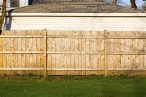 Three Season Porches Wood Privacy Fence Vs Vinyl Privacy Fence In Ellicott City