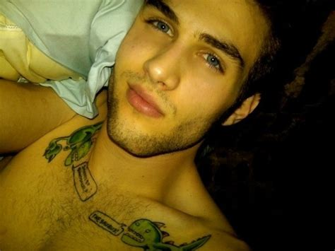 bed eyes beautiful bed blue eyes boy brown hair image 169194 on favim com