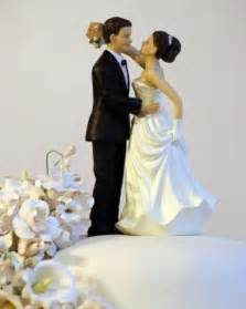 Wedding cake topper with loving couple wedding cake topper