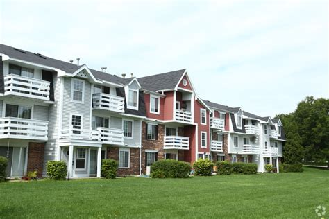 2 bedroom apartments lansing mi trappers cove apartments rentals lansing mi apartments com