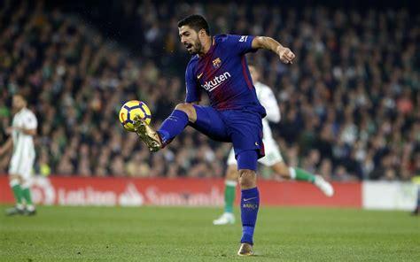 luis suarez named player   month  december