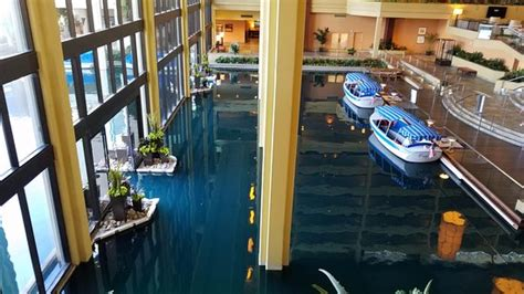 jw marriott palm springs boat ride inside main lobby boat ride area picture of jw