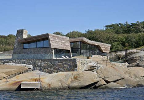 Waterfront Wonders: 8 Great Modern Island   Ocean Homes
