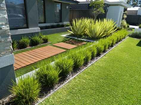 One Of Our Front Yard Design Modern Contemporary Fake Grass Garden Design 2