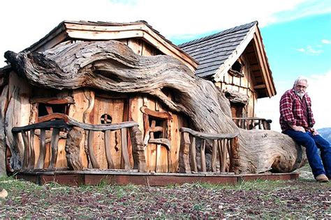 Chainsaw House by Steve Blanchard S Chainsaw Tiny Houses