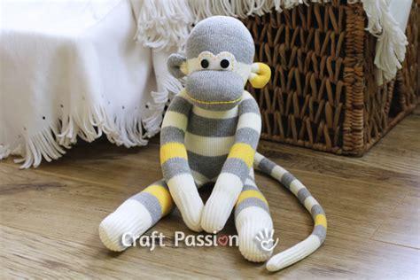 diy sock monkey tutorial coisas dikas bichinhos de meia macaquinho diy
