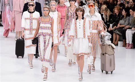 Chanel Garment Shofjeans 27 30 fashion week chanel summer 16 buro 24 7