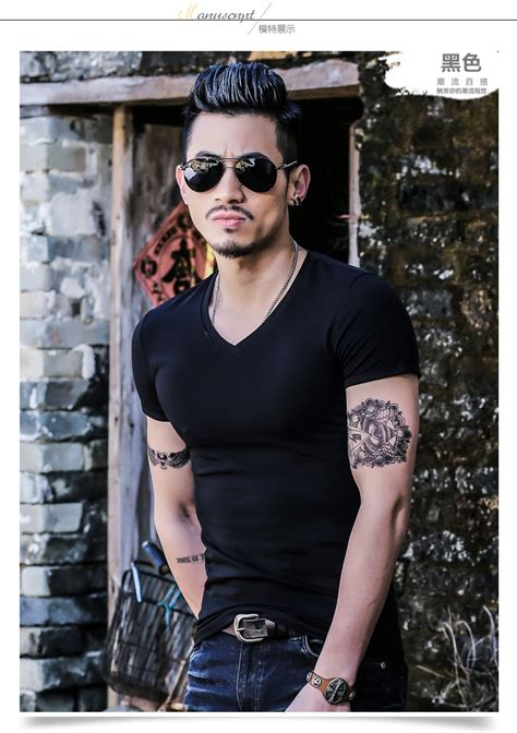 Kaos Distro Pria Black Cotton Combed T Shirt Mimic H 0101 kaos polos katun pria v neck sleeve size xl t shirt black jakartanotebook