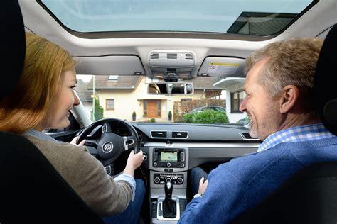 Versicherung Auto F Hrerschein Ab 17 by Begleitetes Fahren Ab 17 Jahren Lohnt Sich Doppelt ᐅ Vgh