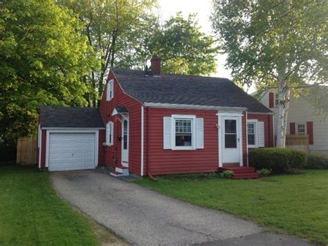 cozy cape vacation rental in portland maine view more