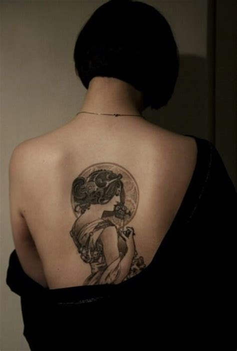 pretty back tattoo designs even when tattooed in black and grey ink an deco