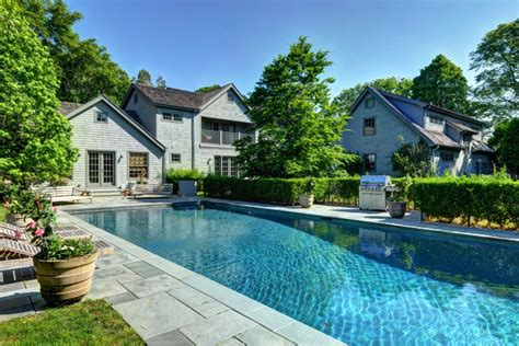 watts and liev schreiber list their amagansett home