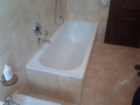 ristrutturazione vasca da bagno costo vasca da bagno sovrapposizione vasca idromassaggio