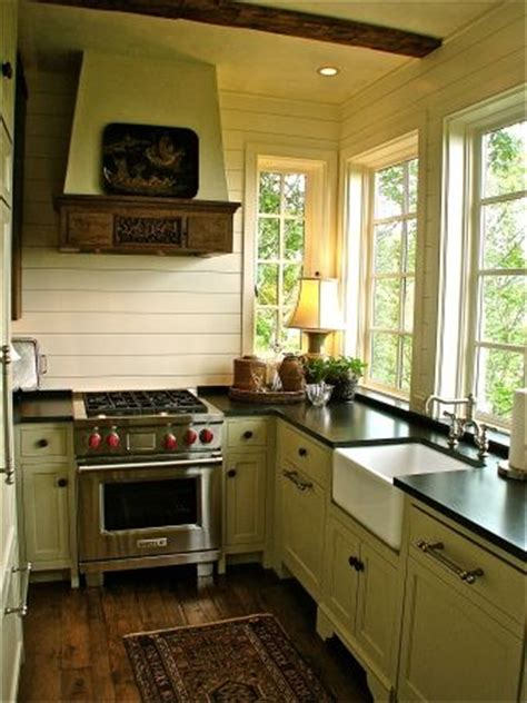 small cabin kitchen cabins pinterest home ideas english cottage kitchens english cottages and cottage