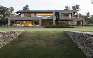 modern farm modern farmhouse