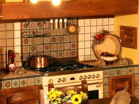 piastrelle decorate per cucina in muratura cucine in muratura rustiche e moderne foto design mag