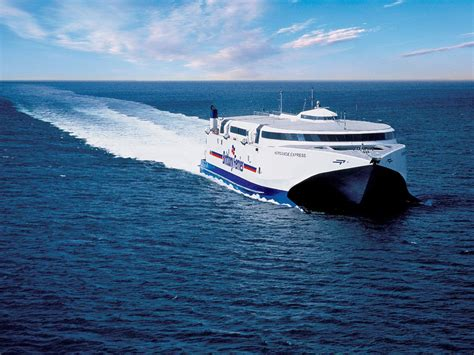 catamaran ferry cherbourg portsmouth to cherbourg car ferry brittany ferries