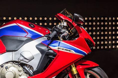 cbr bike details 2017 honda cbr1000rr sp2 review of specs engine