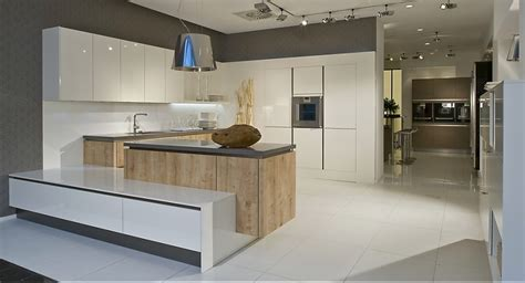 moderne küchen in u form k 252 che k 252 che wei 223 hochglanz u form k 252 che wei 223 hochglanz
