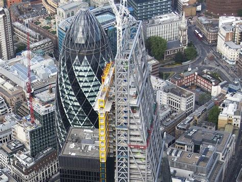 Top 10 Uk Concrete Contractors 2017 - cheesegrater tops out