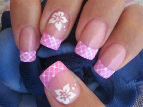 easy nail art on youtube nail art flor sencilla easy flower nail art youtube
