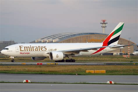 emirates cargo file boeing 777 f1h emirates skycargo an2137644 jpg