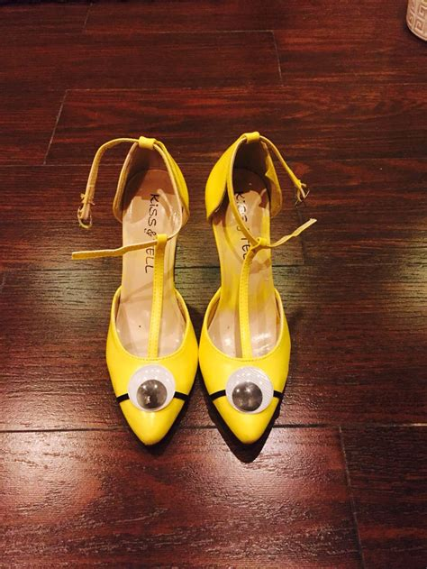 diy minion shoes minion shoes diy costume ideas doe het