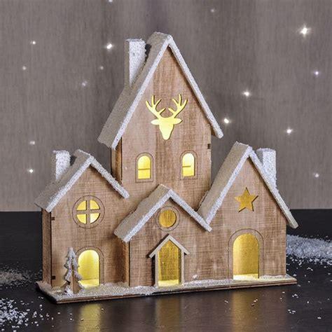 Holzhaus Beleuchtet Deko beleuchtetes holzhaus weihnachtshaus haus beleuchtet deko