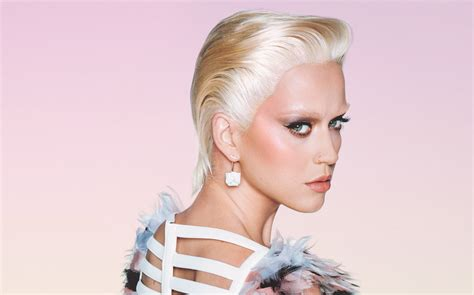 people magazine the biggest loser short blonde hair katy perry looks unrecognizable with blonde hair