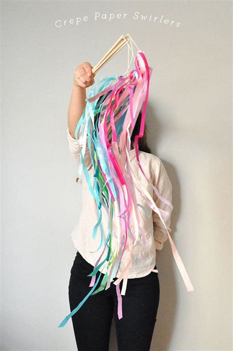 Things To Make Out Of Crepe Paper - 25 best ideas about crepe paper streamers on