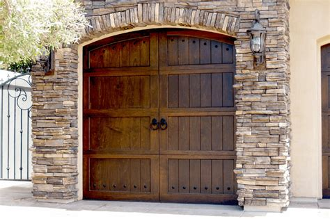Garage Door Styles For Ranch House by Garage Door Styles For Ranch House