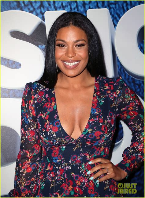 puppy sparks new jordin sparks attends premiere days after welcoming photo