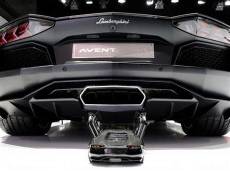 4 Million Dollar Lamborghini Model Lamborghini Aventador Car Model Costs 4 7 Million Dollars