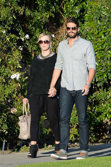david abrams jennie garth jennie garth with fiance david abrams 14 gotceleb