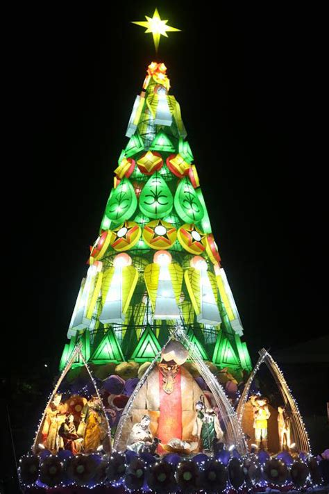 christmas tree in tagalog my tarlac lights up the world with belenismo positively magazine for