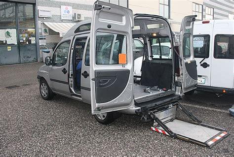 pedana per carrozzina vendo doblo tetto alto trasporto disabili usato con pedana