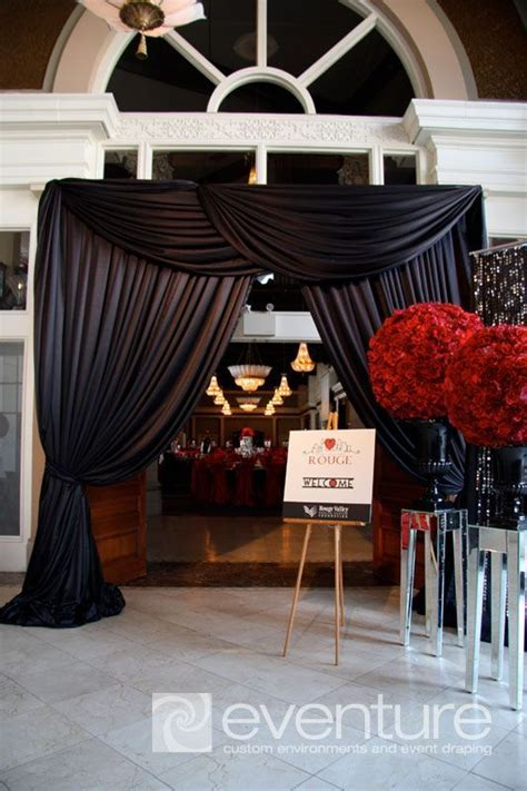 Create First Impression Wedding Entrance Decoration Ideas