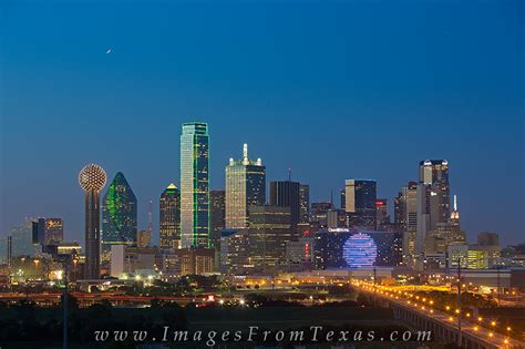 Dallas Tx Search Skyline Of Dallas In The Evening 6 Dallas Images From