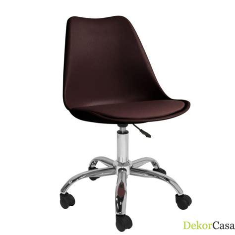 sillas con ruedas para escritorio silla escritorio eames con ruedas marr 243 n