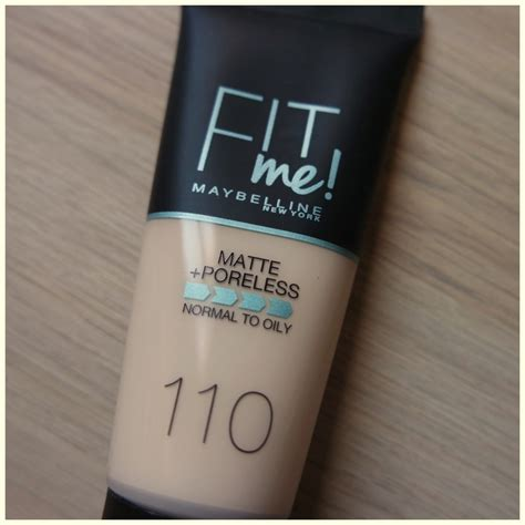 Maybelline Fit Me Foundation Matte Poreless maybelline fit me matte poreless foundation floating in dreams