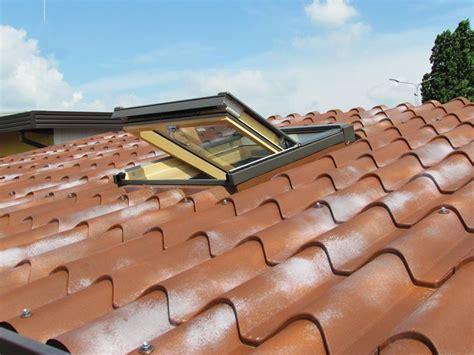 tettoia coibentata coperture coibentate per tetti rivestimento tetto
