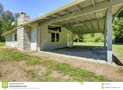 Walk Out Basement Plans house with walkout basement and vaulted ceiling stock