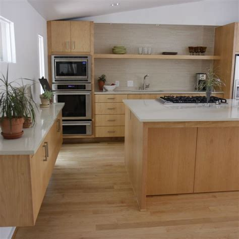 light maple cabinets 14 best maple cabinets images on kitchens