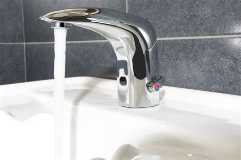rubinetti elettronici rubinetti elettronici e temporizzati idral per spazi pubblici