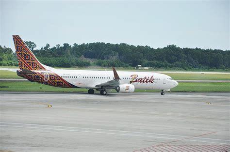 batik air adalah gambar transportasi daftar maskapai penerbangan di indonesia
