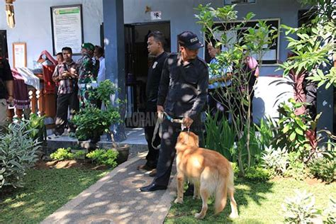 Blok Putu Wijaya operasi bersinar di lapas nihil narkoba pasukan dapatkan buku seribu mimpi dan paito koran