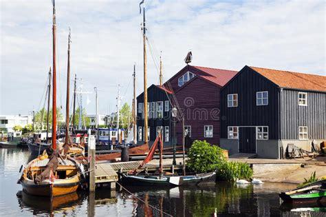 boten elburg haven van elburg nederland stock afbeelding afbeelding