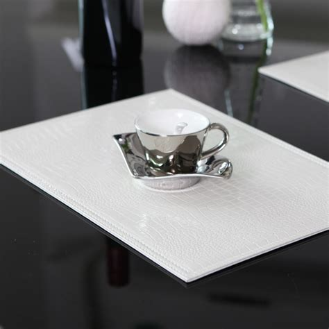 Black And White Table Mats by Image Gallery White Placemats