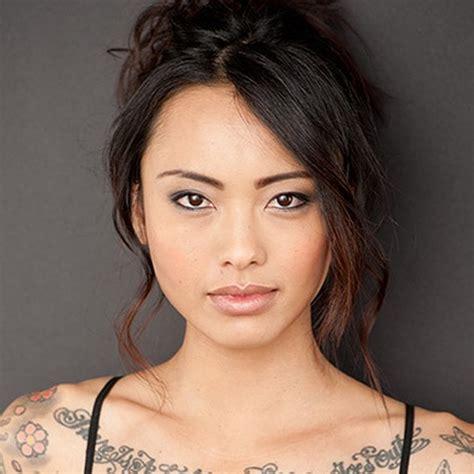 tattoo girl in shameless season 8 levy tran biography life boyfriend career video