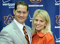 Chizik's wife takes to social media to try and rally ... Jonna Chizik